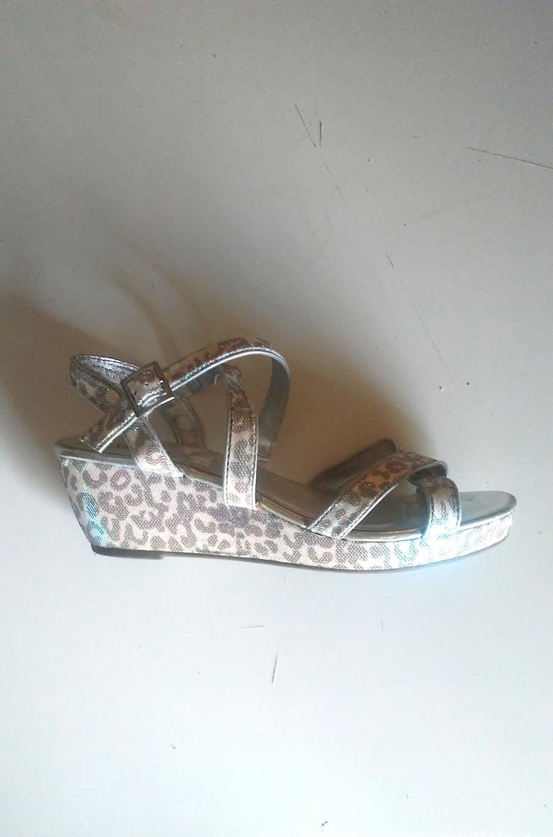 88a4d4de1209 Vintage 90s Y2k HOLOGRAPHIC Snow LEOPARD PLATFORM Sandals