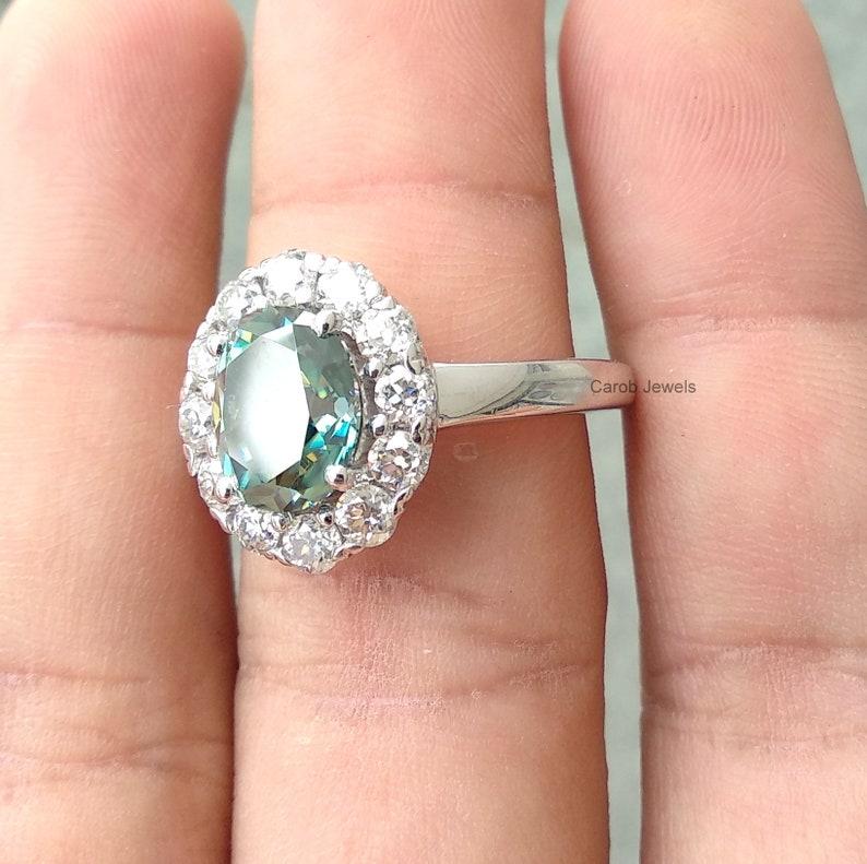 2.50Ct Antique Oval Cut Moissanite Engagement Ring Blue Green Oval Cut Moissanite Oec Round Cut Moissanite Ring in 10K 14K 18K White Gold