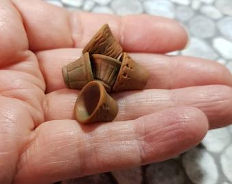 Miniature Plant Pots, small 12th Scale