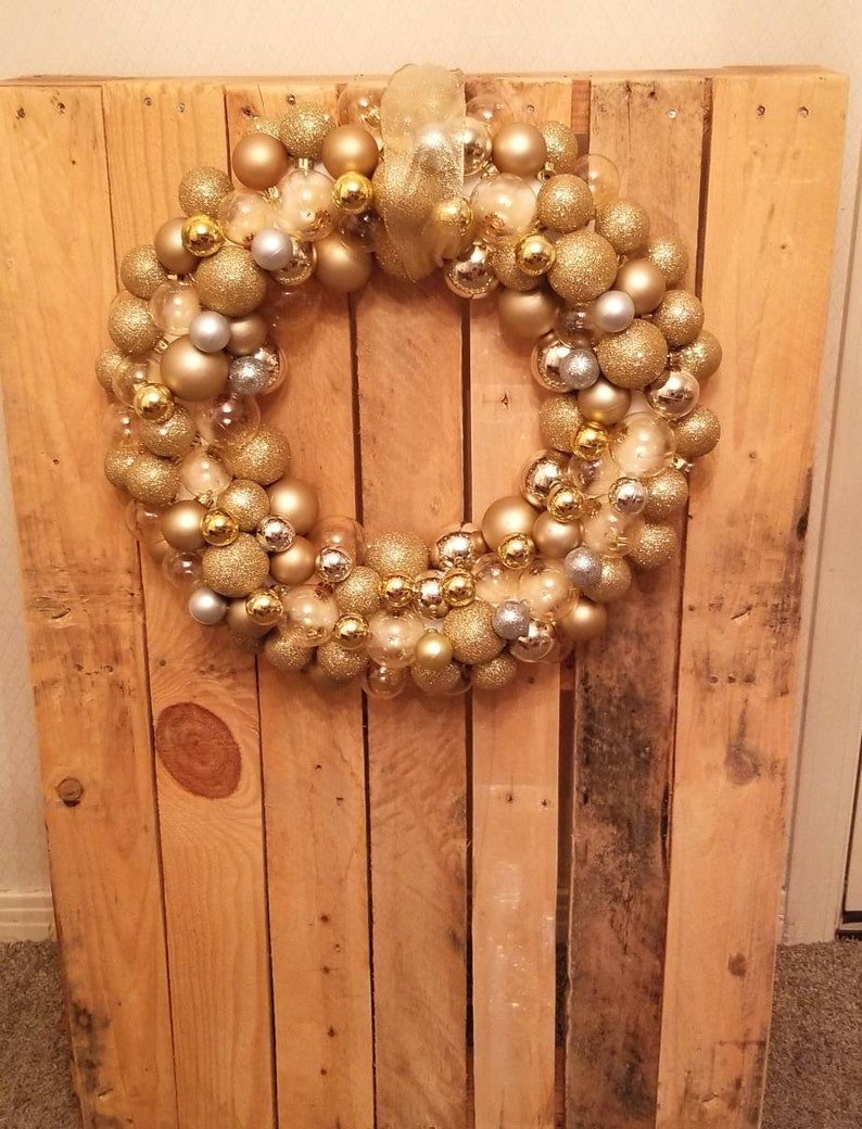 All that Glitters Ball Ornament Gold Christmas New Years Wreath