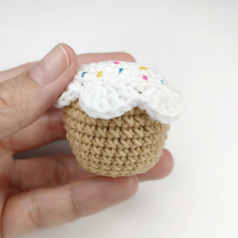 CROCHET CUPCAKE pattern free amigurumi pattern amigurumi play food pattern Crochet food PDF pattern Easter decoration