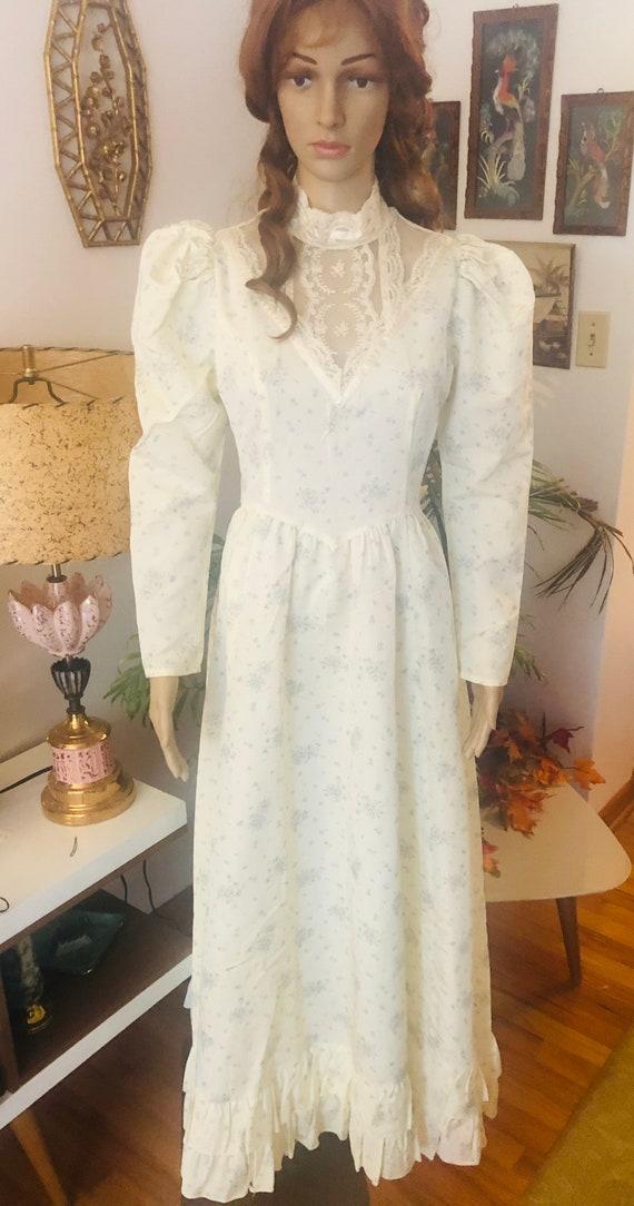 1970s Vintage Gunne Sax Floral Print Wedding Gown
