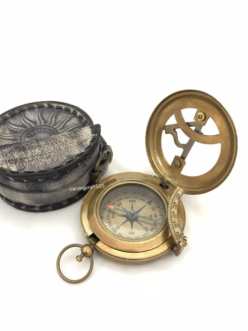 VINTAGE BRASS NAUTICAL POCKET PIRATE COMPASS WITH WOODEN BOX COLLECTIBLE