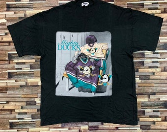sports shoes 4ef35 a569e Vintage mighty duck 90s shirt