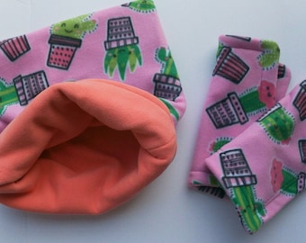 Fleece pouch, Small animal fleece cuddle sack, snuggle pouch with 2 pee pads. Pet Cage accessorie