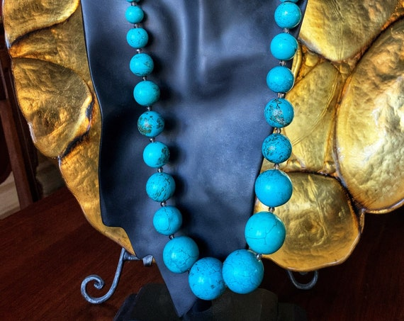 Graduated Blue Howlite Necklace