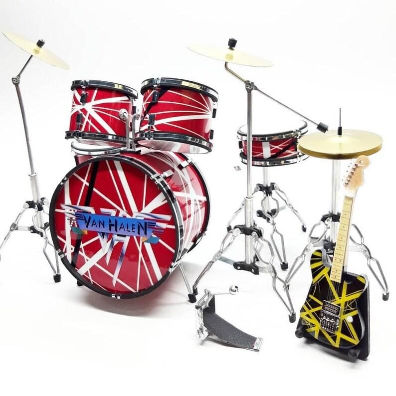 Miniature Drum Red Metal Van H Mini figure 3 Guitars set Display Music New Year Christmas Gift