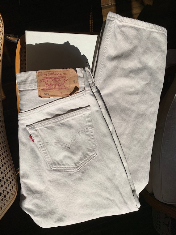 Vintage LEVIS 501 jeans / high waisted jeans beige