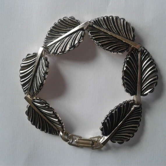 4 Strand cluster bracelet with a real leaf dipped in Silver