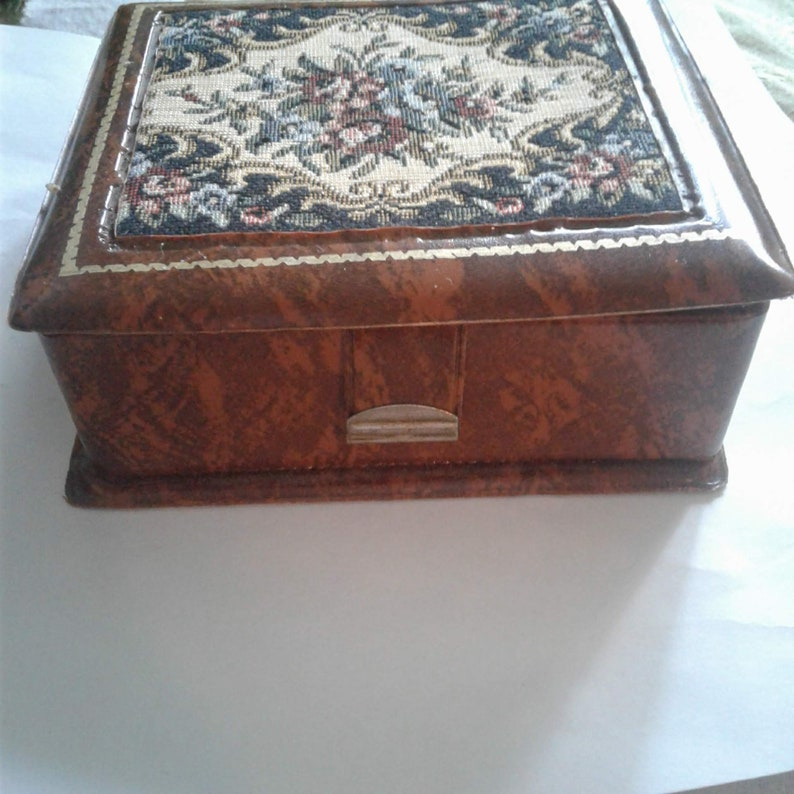 CHINESE ANTIQUES BONE DOUBLE-DECK SMALL BOX CASKET JEWEL CASE