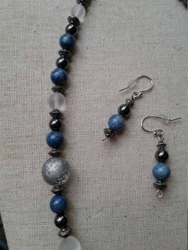 /& White Beaded Necklace Black Classic Blue