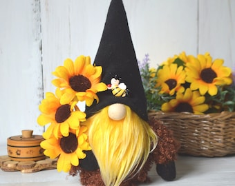 Summer Gnome Beekeeper, Sunflower Decor, bee's party, bee hive, tiered tray, Farmhouse Gnome, bumble bee, Scandinavian gnome, flower gnome