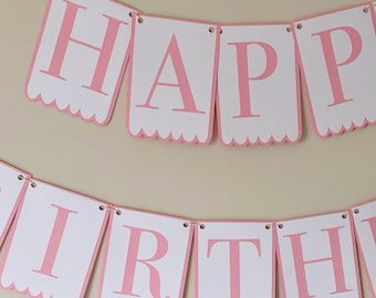 """Classic Scalloped Bottom """"Happy Birthday"""" Party Banner"""