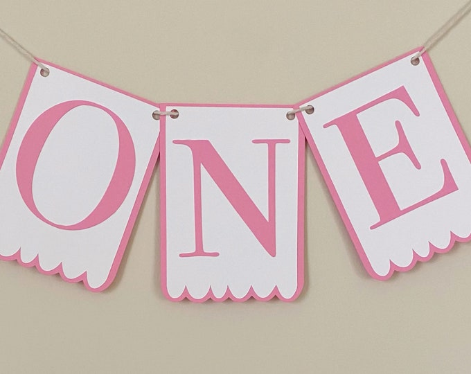"""Classic """"Scalloped"""" Birthday High Chair Banner - 3.5"""" x 5.00"""" flags, Classic Party Decor, First Birthday, One, Two, Three"""