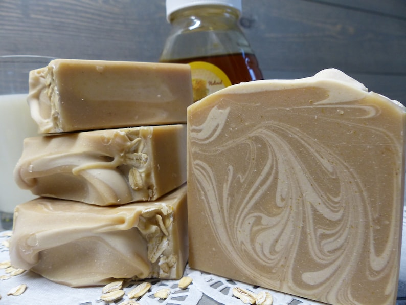 Oatmeal Milk and Honey Soap 4.5 oz. image 0