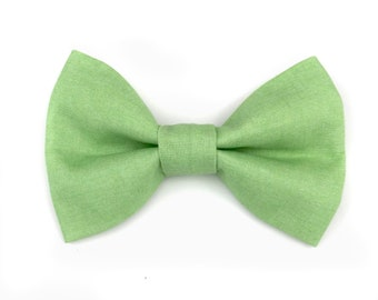Pear green / spring green dog bow tie GREENERY, bowtie for dog collar, stylish dog outfit for your wedding,