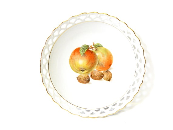 vintage plate / fruit plate / plate 30s 40s / porcelain / plate hand painted