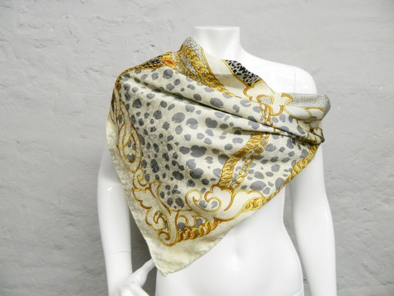 Silk scarf/silk cloth/70s neckerchief/70s scarf silk/vinatge cloth silk/skarf silk vintage Italy/chain pattern cloth