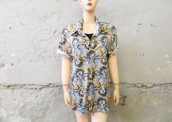 80s blouse/vintage shirt/New York blouse/1980s top/summer shirt printed