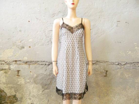 50s underdress / vintage negligee / dress / nightdress white black