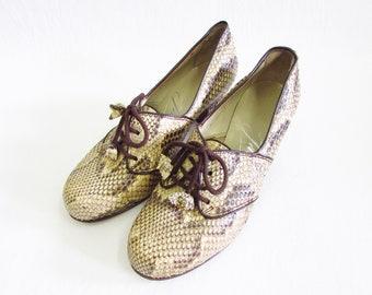 1970s shoes women leather / vintage leather shoes / 70s shoes snake / pumps / lace-up shoes 38
