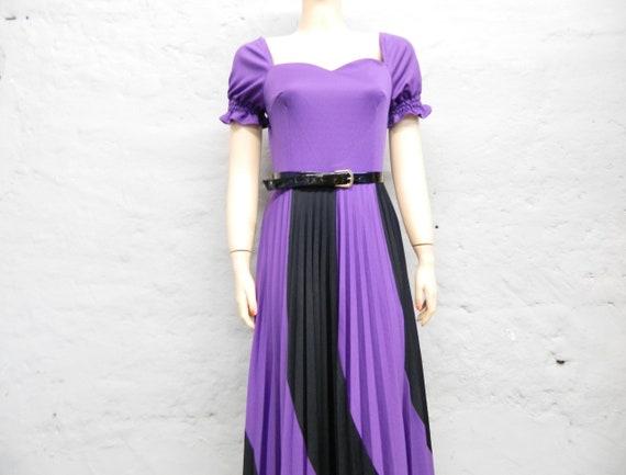 1970s Abendkleid / vintage Kleid / Maxikleid / 70er Kleid Schwarz Lila / langes Kleid Theater