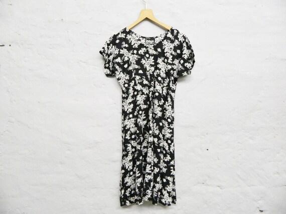 Floral dress/vintage dress/dress black white/80s dress/summer dress
