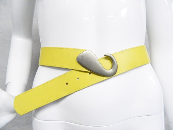 80s belt/belt yellow/80s leather belt/vintage belt leather/yellow belt/women's belt