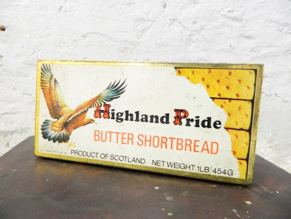 Old tin can/vintage tin metal/metal can deco/collector can Highland pride shortbread