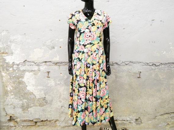 Millefleurs dress / 80s dress / vintage dress flow