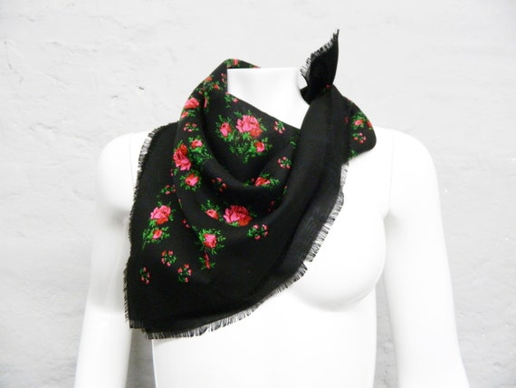 50s scarf/vintage cloth/scarf rose pattern/mid century/neckerchief black