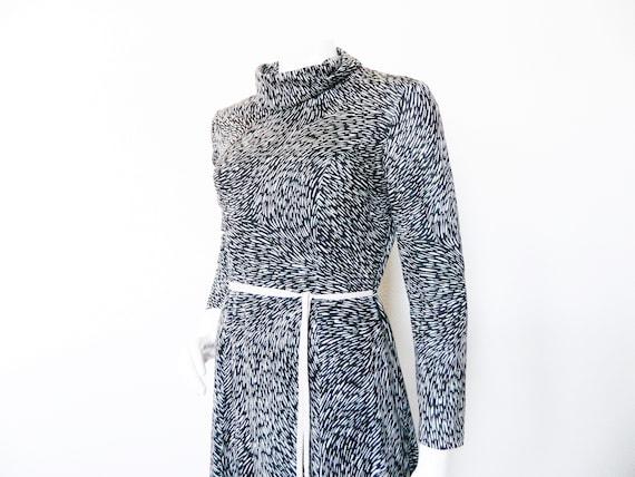1970s dress / vintage dress black white / 70s dress black white / vintage dress / turtleneck dress