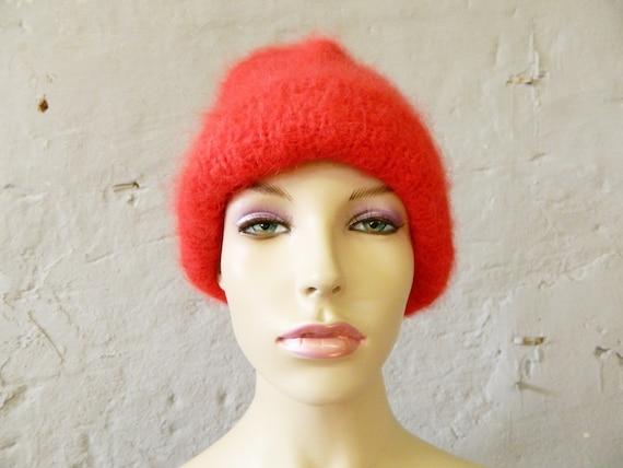 Wool beanie red / 70s beanie / vintage beanie / knitted headgear / winter hat