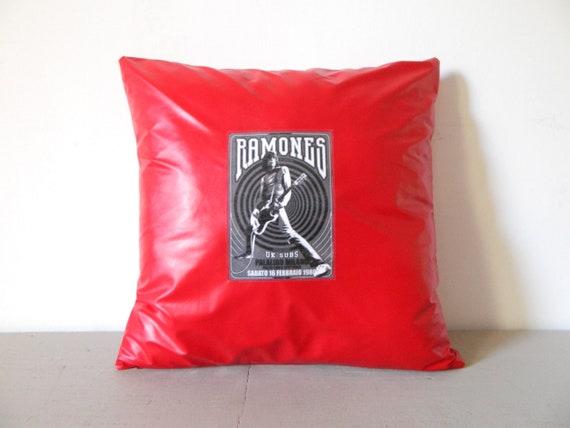 Ramones pillow/independent pillow/pillow Red/photo pillow/thanks Pillow/pillow Cave