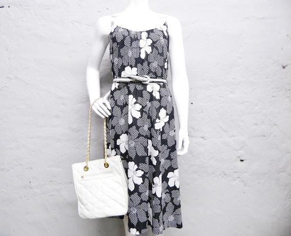 70s dress black white/floral dress/summer dress/vintage dress with belt/dress floral