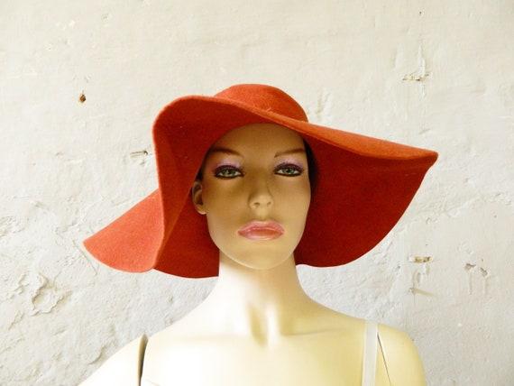 70s felt hat / red hat / vintage hat red / elegant hat / vintage headgear