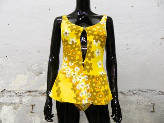 1960s swimsuit yellow / vintage swimsuit floral pa