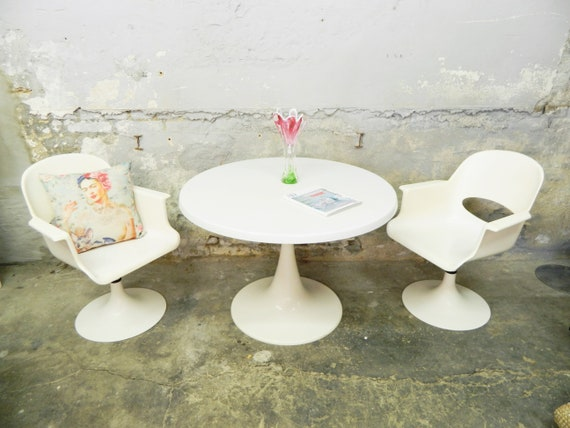Tulip foot dining group / 60's table 2X chair by short / vintage dining table / vintage chair / space age armchair table