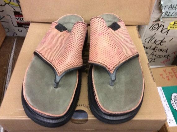 DR MARTENS 9506 Pink toe post sandal size 7