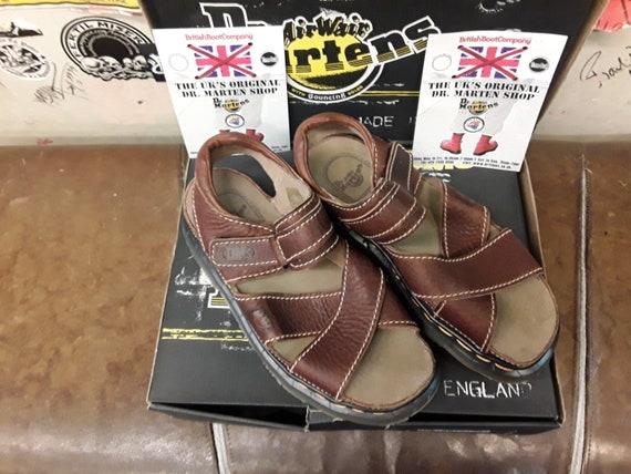 Dr MARTENS 9076 peanut size 7 sandal made in Engla