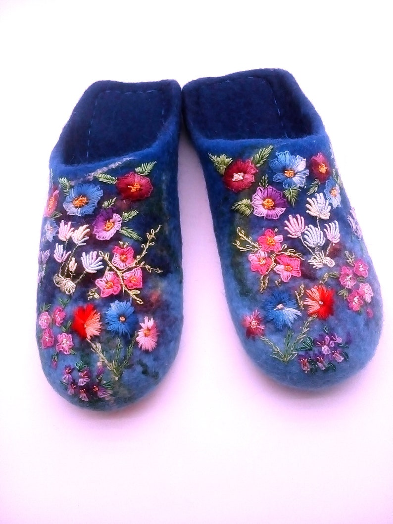 f6b62178fe95f blue felt slippers with flowers Women home shoes Slippers Woolen Trace for  women Gift for her Handmade slippers Warm women's slippers
