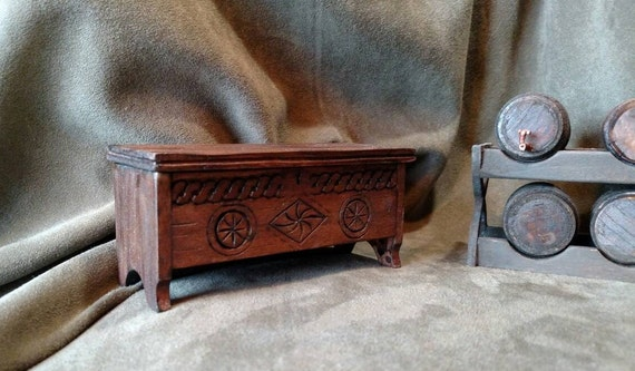 Handcrafted Miniature Dollhouse Furniture-Trunk//Hope Chest Working Lid A