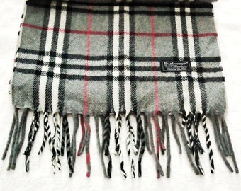 Authentic Vintage Burberry Muffler Scarf Lambswool Nova Check Plaid Pattern  Made in England 58