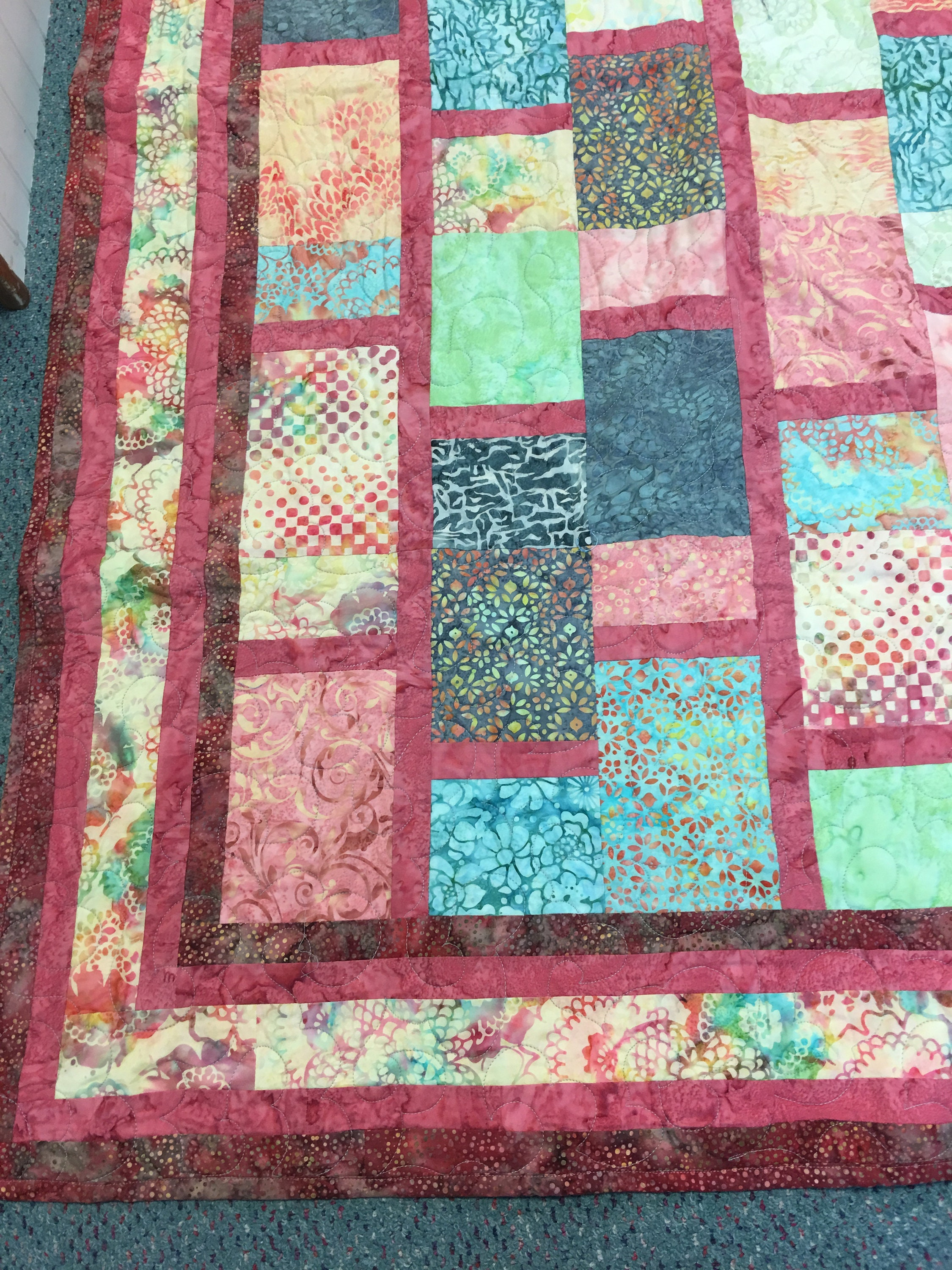 Quilted Bed Quilt / Courtepointe / Lancer / Couverture
