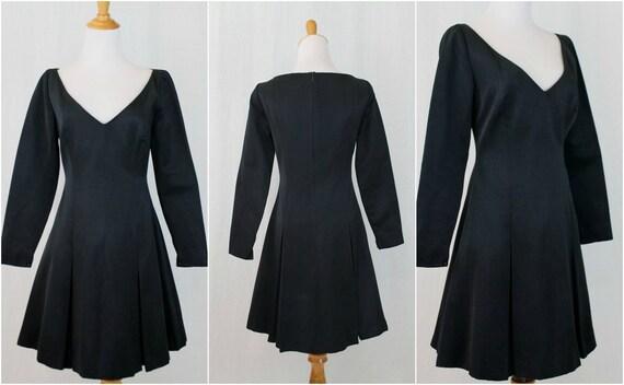 Vintage Badgley Mischka 1990s Black Long Sleeve De
