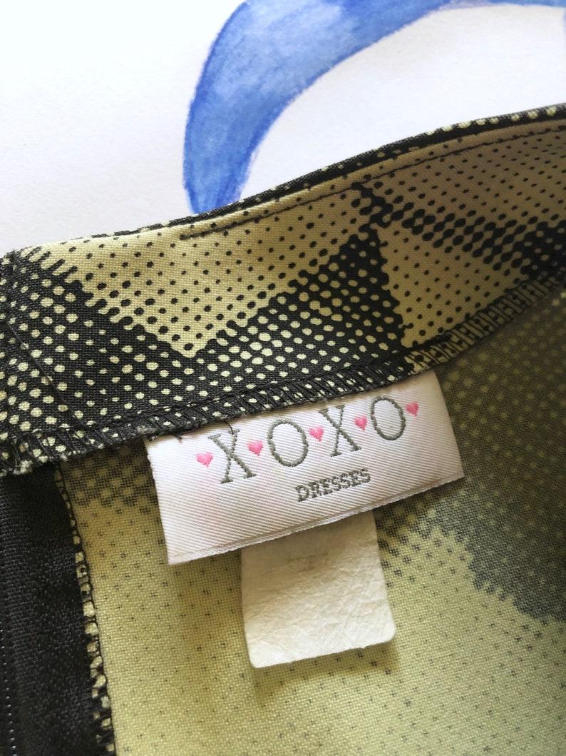 Medium Rose Digital Print OP ART 1990s-Y2K XOXO Pistachio Green Mini dress