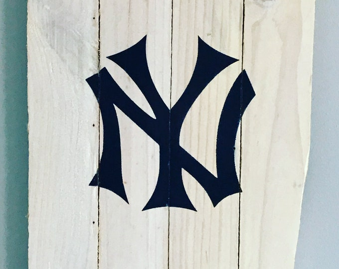 New York Yankees pallet sign