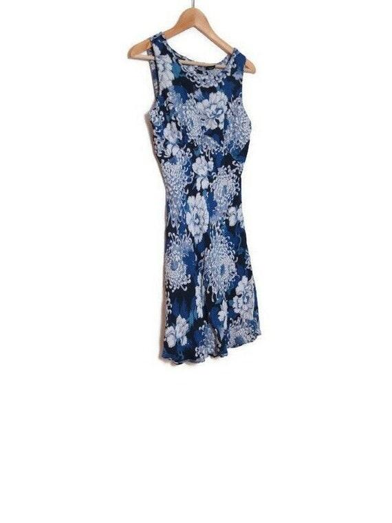 Vintage NWT Y2K Nostalgia Blue Floral Rayon Dress