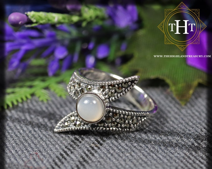 Vintage Sterling Silver 925 Art Deco Style White Round Cabachon Cut Moonstone With Marcasite Gemstone Design Ring Size O - 7