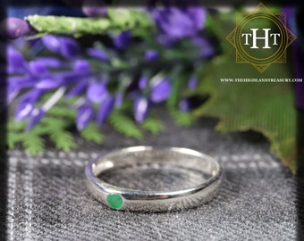 Sterling Silver 925 Minimalist Design Style Small Round Cut Green Emerald Birthstone Gemstone Band Ring Size O - 7